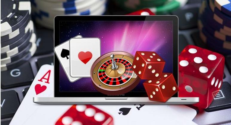 Spillekort, terninger, roulette og datamaskin